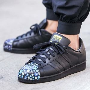 Réduction authentique adidas original pharrell williams