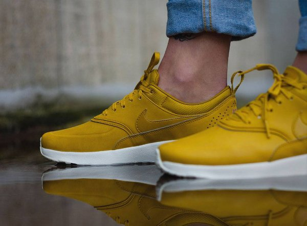 Réduction authentique air max thea femme jaune Baskets