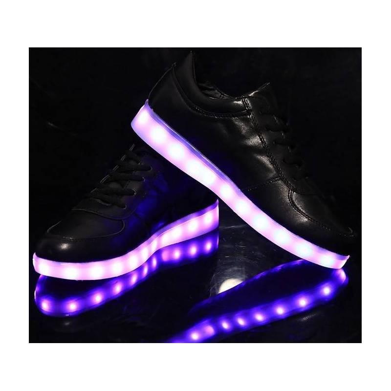 basket adidas lumineuse